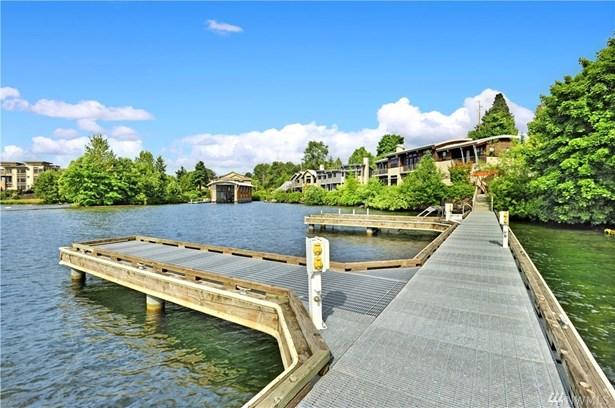3907 Lake Washington Blvd N, Renton, WA - USA (photo 4)