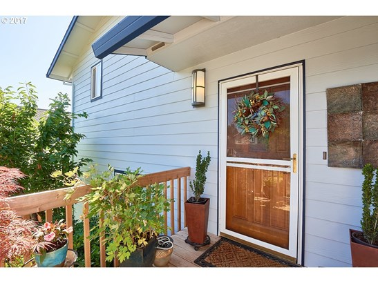 299 Sw 1st St, Dundee, OR - USA (photo 4)