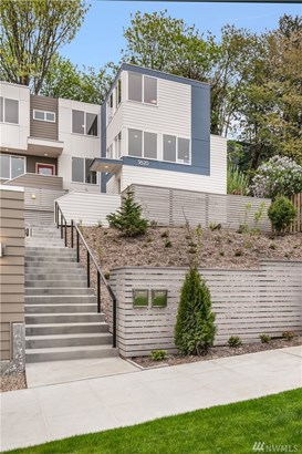 3820 22nd Ave Sw, Seattle, WA - USA (photo 2)