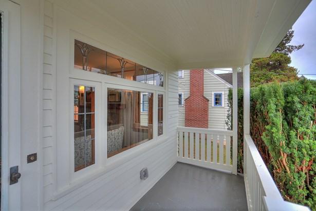 Updated Ballard Home (photo 3)