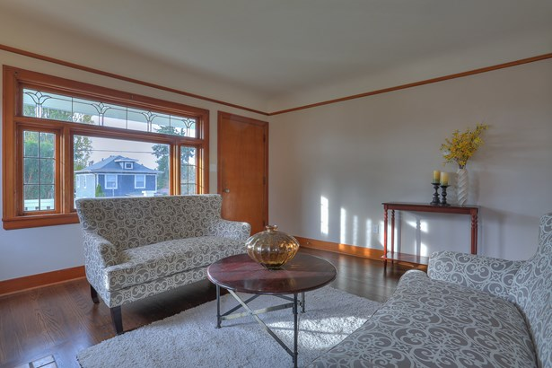 Updated Ballard Home (photo 4)