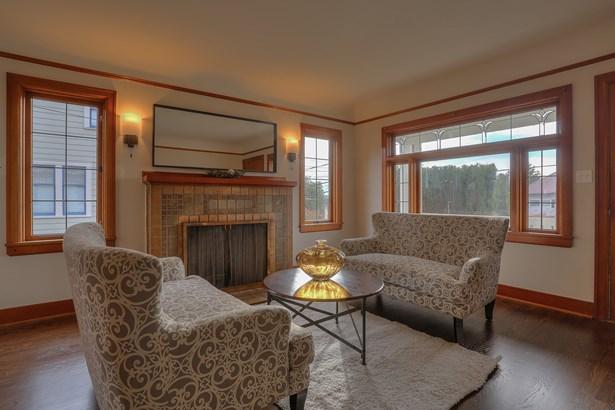 Updated Ballard Home (photo 5)