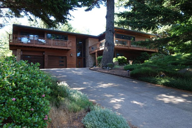 754 Nw Highland Dr, Waldport, OR - USA (photo 4)