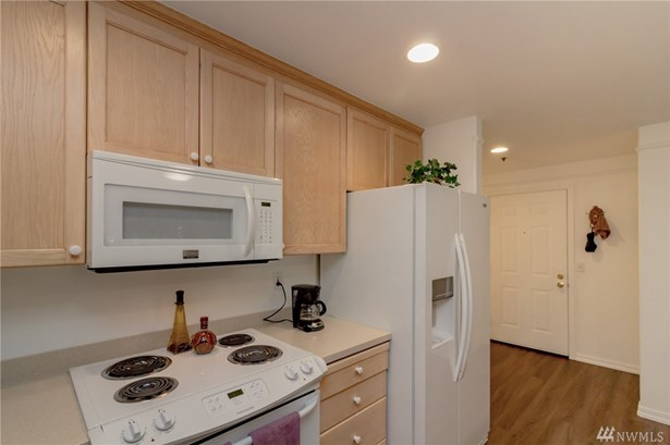 15335 Sunwood Blvd C 104, Tukwila, WA - USA (photo 4)