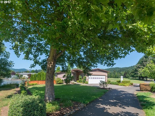 101 Village Dr, Cottage Grove, OR - USA (photo 2)