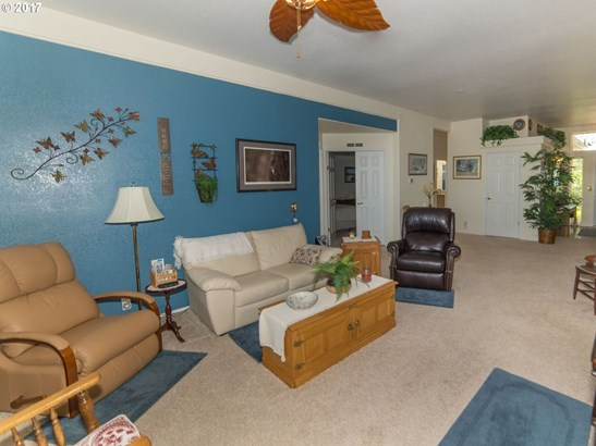 101 Village Dr, Cottage Grove, OR - USA (photo 5)