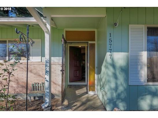 15777 Se Webster Rd, Milwaukie, OR - USA (photo 3)