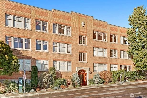 4235 Brooklyn Ave Ne 205, Seattle, WA - USA (photo 2)