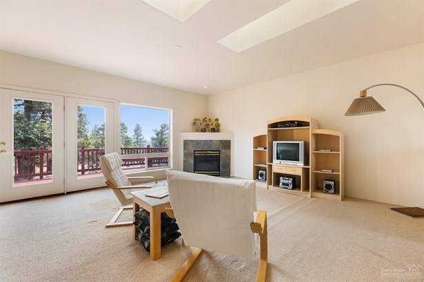 1266 Cannon Falls Court, Redmond, OR - USA (photo 3)