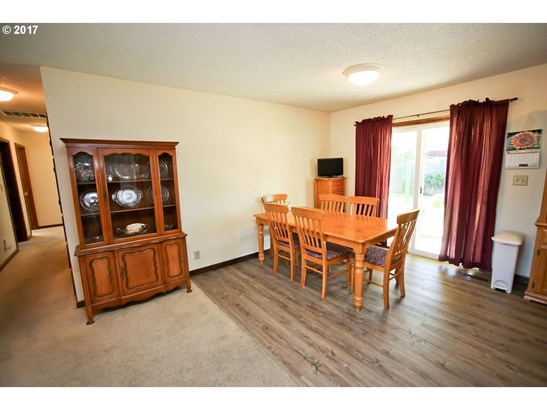 418 9th Ave, Sweet Home, OR - USA (photo 5)