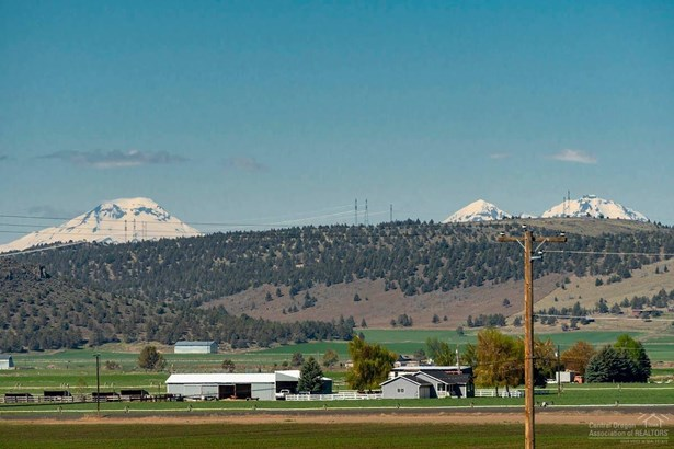 8521 Northwest Mountain View Acres Drive, Prineville, OR - USA (photo 3)