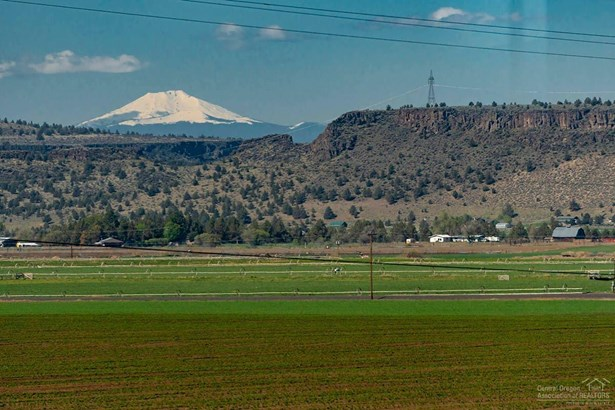 8521 Northwest Mountain View Acres Drive, Prineville, OR - USA (photo 4)