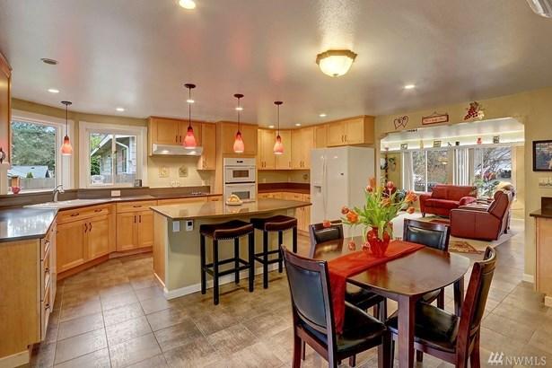 4007 226th Place Sw, Mountlake Terrace, WA - USA (photo 2)