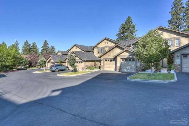 1874 1880 Northwest Monterey Pines Drive, Bend, OR - USA (photo 3)