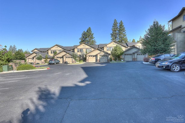 1874 1880 Northwest Monterey Pines Drive, Bend, OR - USA (photo 5)