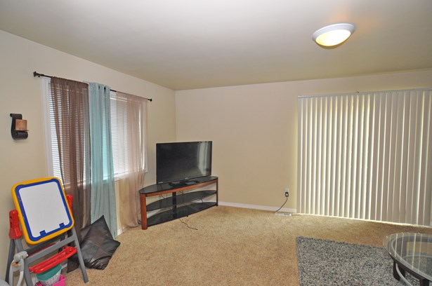 139 E 174th St, Spanaway, WA - USA (photo 5)