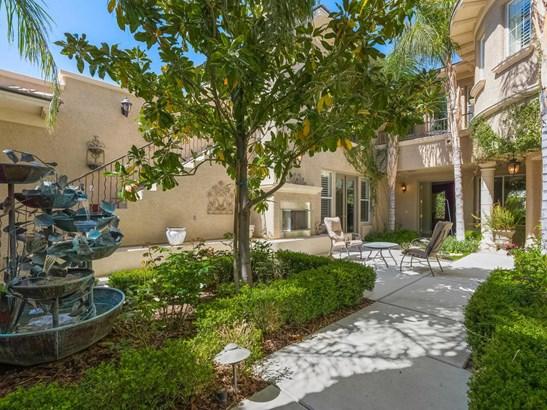 10408 Mansion Hills Avenue, Las Vegas, NV - USA (photo 2)