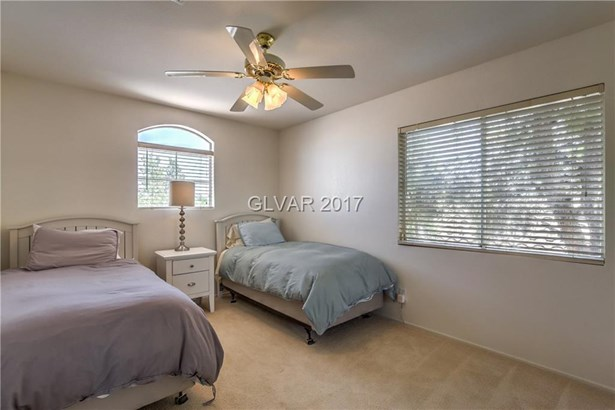 2433 Sterling Heights Drive, Las Vegas, NV - USA (photo 4)