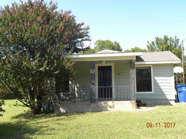 703 E Hanna Street, Denison, TX - USA (photo 1)