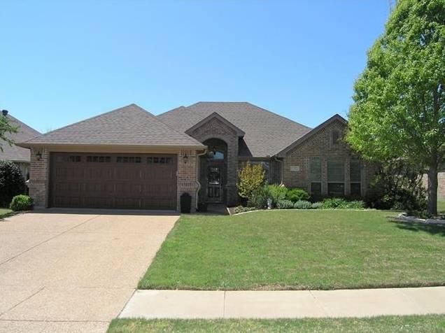 7512 Heights View Drive, Benbrook, TX - USA (photo 1)