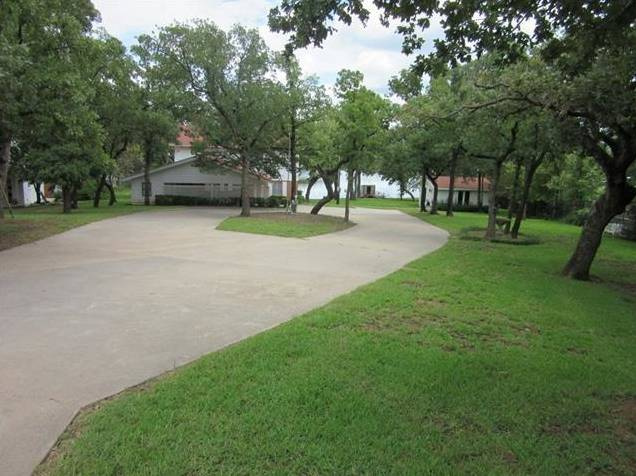 593 Country Club Road, Bowie, TX - USA (photo 2)