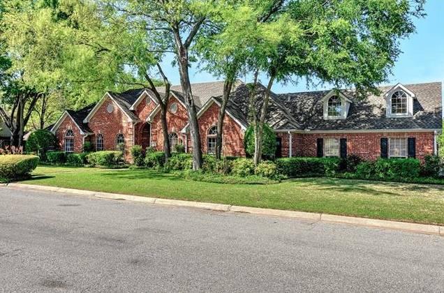 2210 Meadows Lane, Sherman, TX - USA (photo 1)