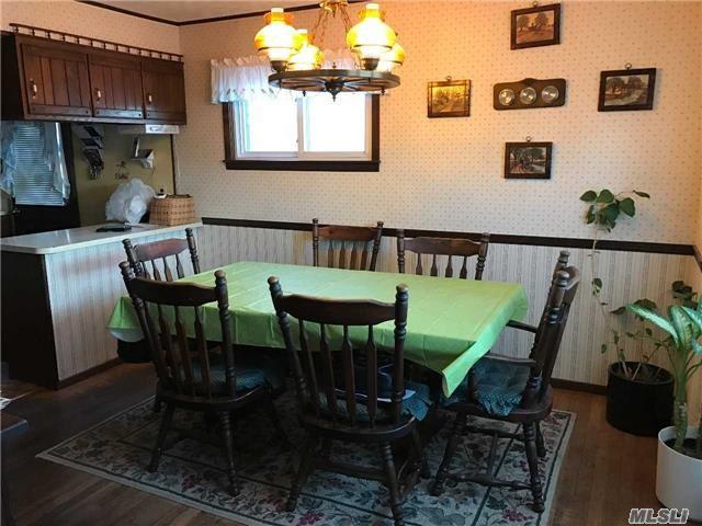 Residential, Exp Cape - Hicksville, NY (photo 4)