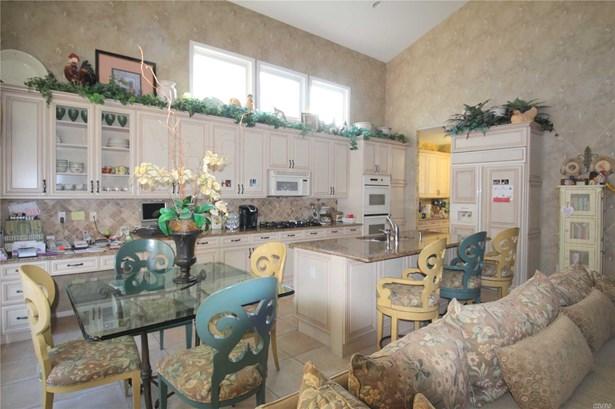 Residential, Condo - Plainview, NY (photo 3)
