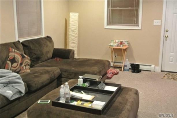 Rental Home, Cape - Hicksville, NY (photo 2)
