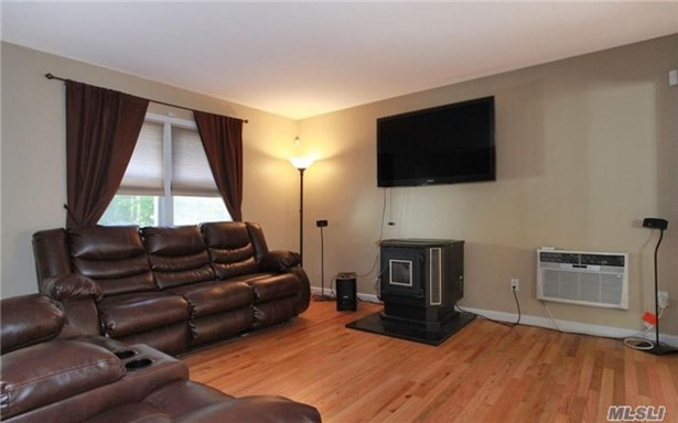 Rental Home, Colonial - Melville, NY (photo 3)