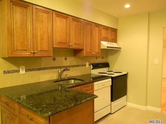 Rental Home, Condo - Woodbury, NY (photo 3)