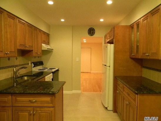 Rental Home, Condo - Woodbury, NY (photo 4)