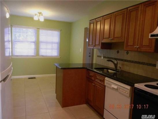 Rental Home, Condo - Woodbury, NY (photo 5)