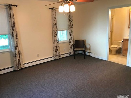 Rental Home, Apt In House - Melville, NY (photo 4)