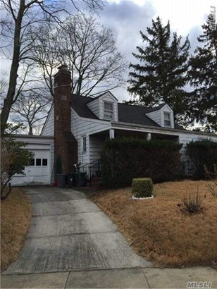 Residential, Cape - Uniondale, NY (photo 1)