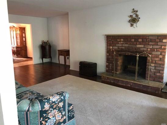 Exp Ranch, Residential - Bethpage, NY (photo 2)
