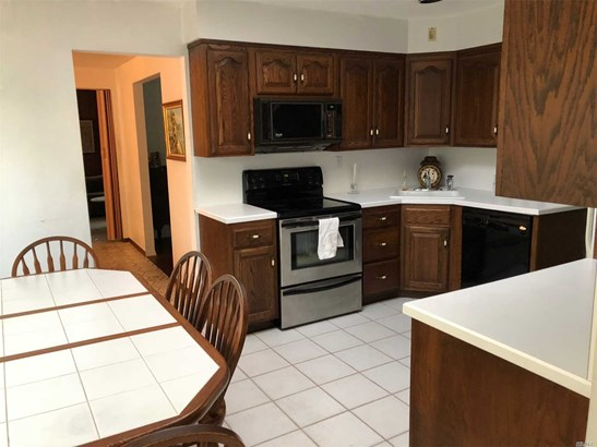 Exp Ranch, Residential - Bethpage, NY (photo 4)