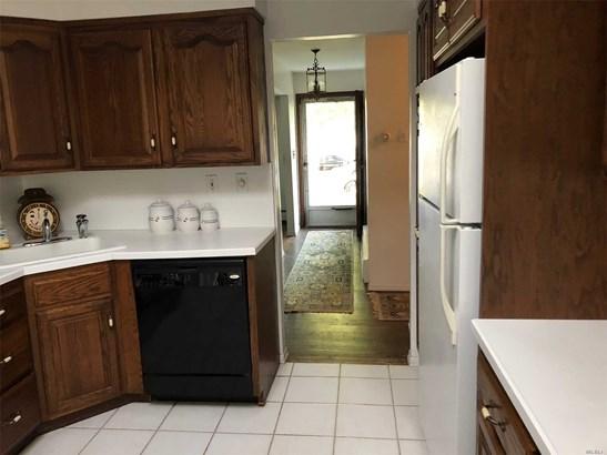 Exp Ranch, Residential - Bethpage, NY (photo 5)
