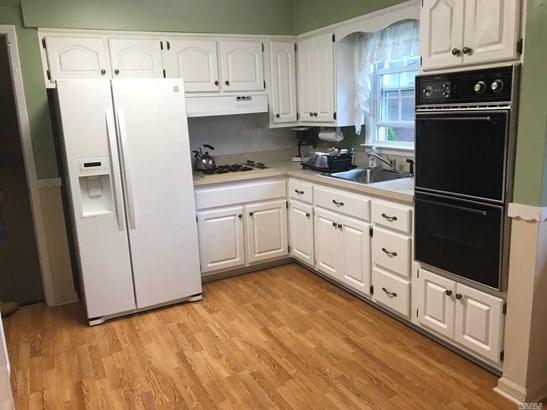 Rental Home, Split - Huntington Sta, NY (photo 2)