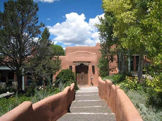 Pueblo Style,Southwest, Single Family - Taos, NM