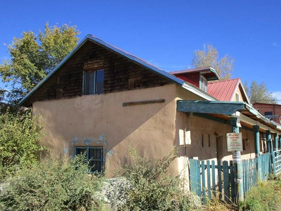 Multi-Level, Apartment Complex - Taos, NM