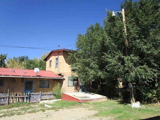 Multi-Level, Apartment Complex - Taos, NM (photo 4)