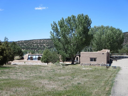 Pueblo,Passive Solar,Territorial, Single Family - Taos, NM