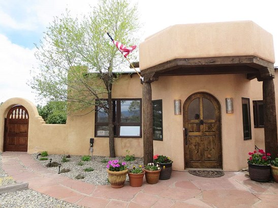 Pueblo, Single Family - Taos, NM (photo 2)