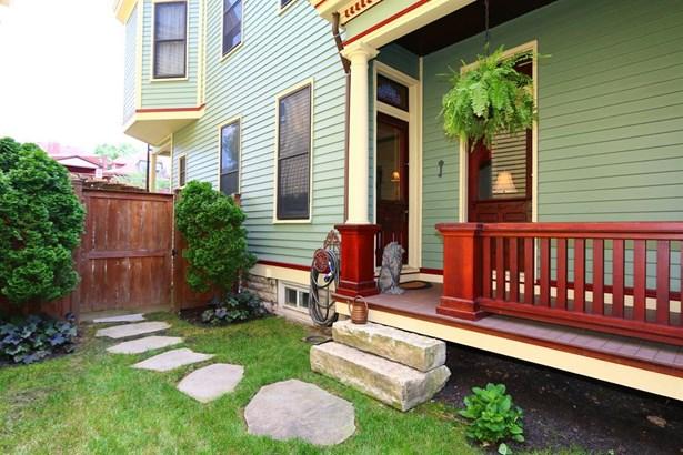 558 4th St E, Newport, KY - USA (photo 2)