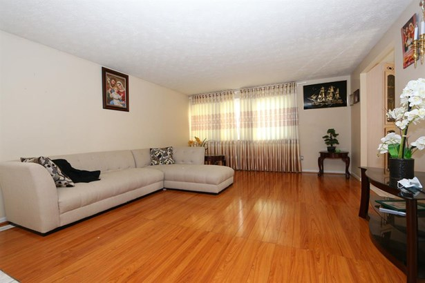 5069 Francisvalley Ct , Delhi, OH - USA (photo 4)