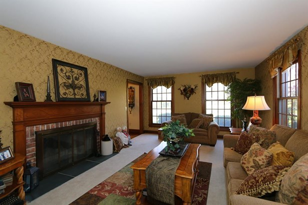 6698 Cloister Cliffs Dr , Bethany, OH - USA (photo 5)