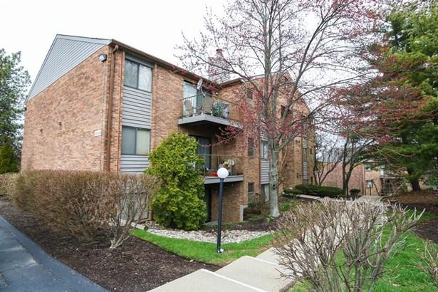 1544 W Galbraith Rd  203, North College Hill, OH - USA (photo 1)