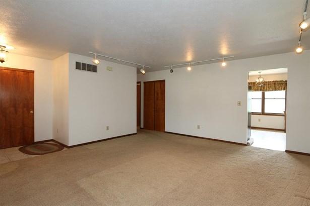 3590 Teakwood Rd , Tipp City, OH - USA (photo 4)