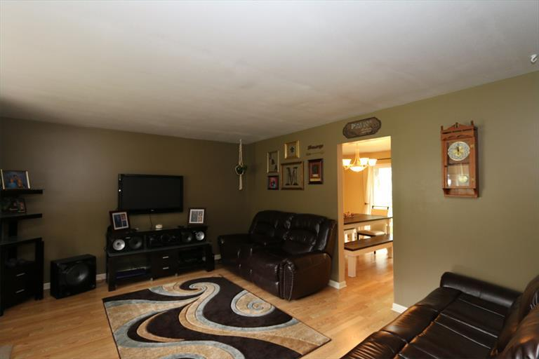 301 Zimmer Dr, Fairborn, OH - USA (photo 4)